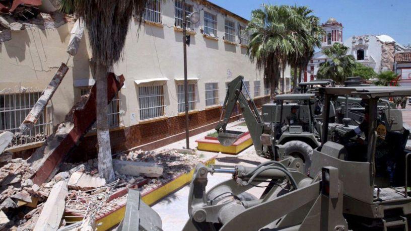 Autoridades supervisan daños en escuelas públicas