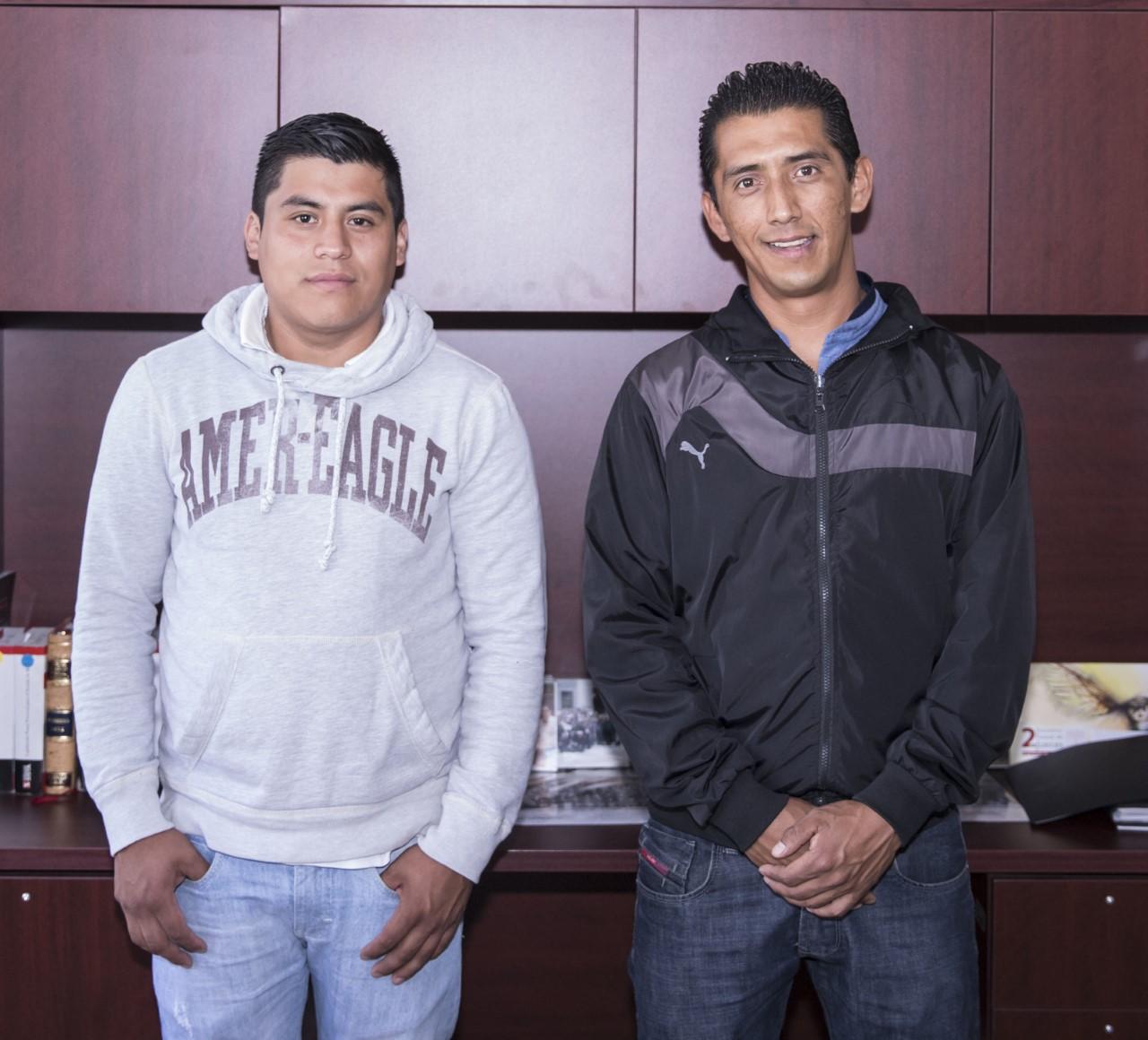 Jorge y Saúl, una foto de su graduación del TTA