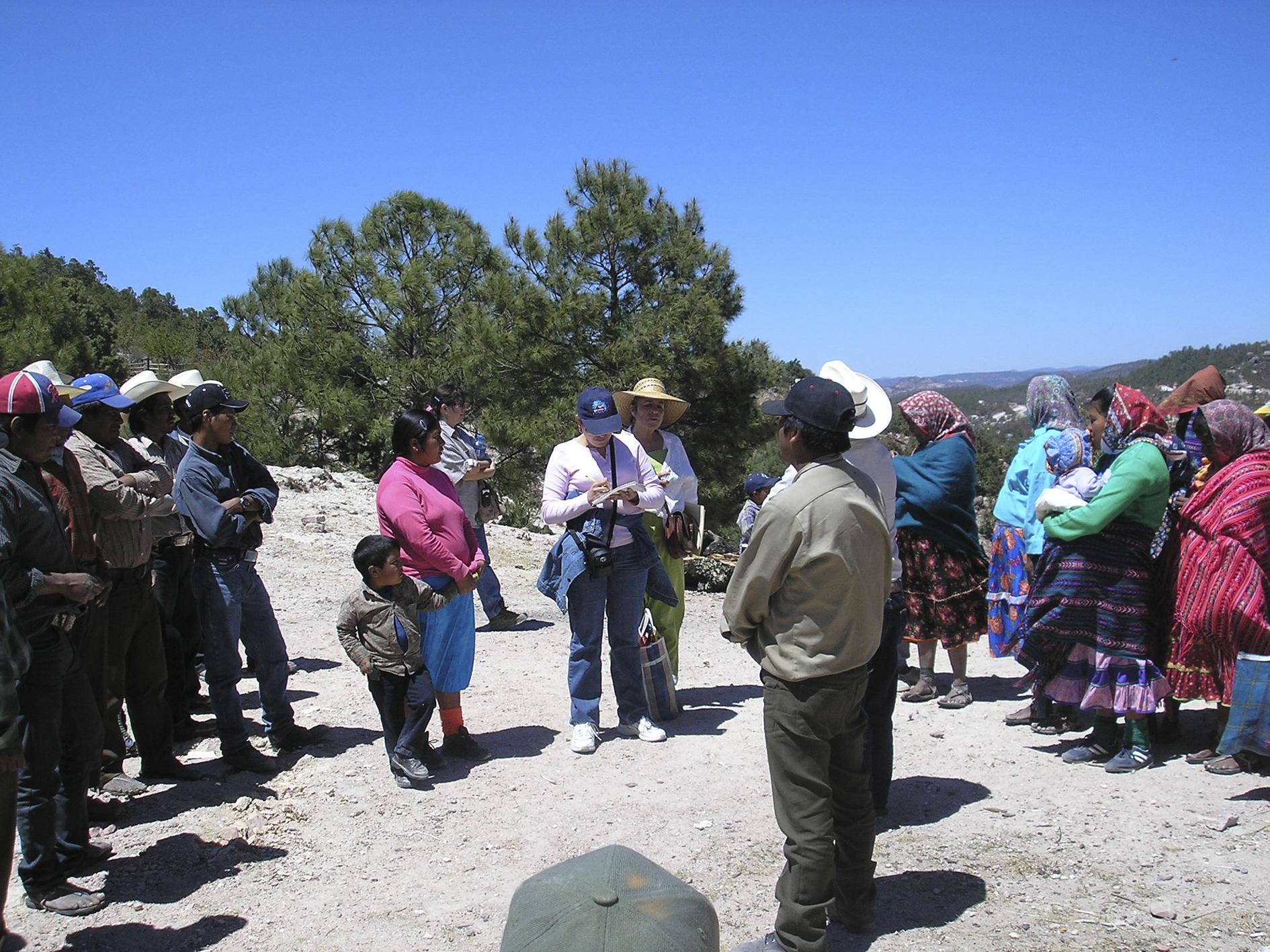 15. La periodista tenía una relación muy cercana con comunidades rarámuris que habitan la como sierra Tarahumara. De Familia Breach Veldu_ea_Colectivo 23 de marzo