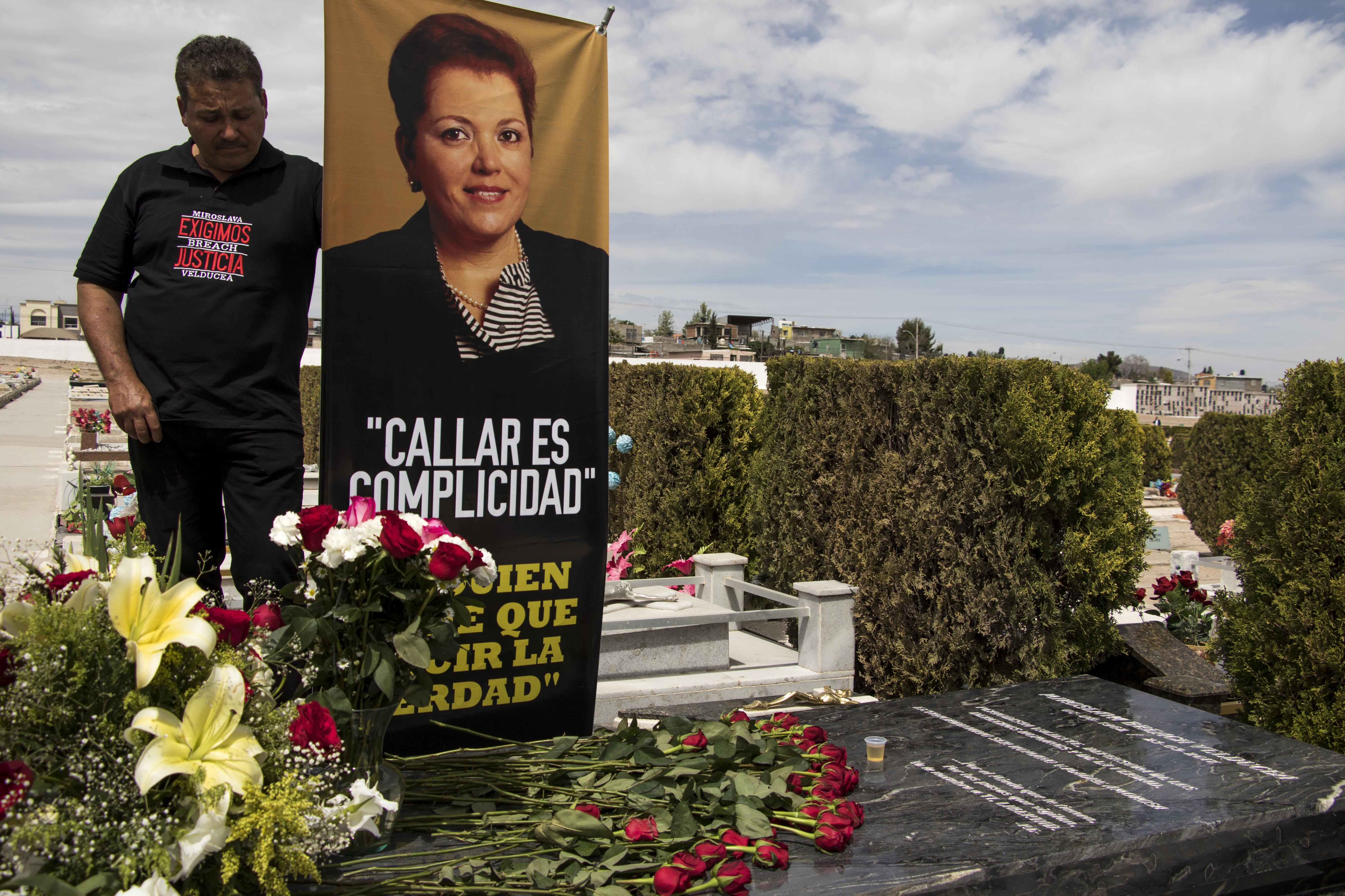 19. A más de dos años del crimen, la familia y colegas de Miroslava Breach mantienen la exigencia por el esclarecimiento su homicidio. De Colectivo 23 de marzo
